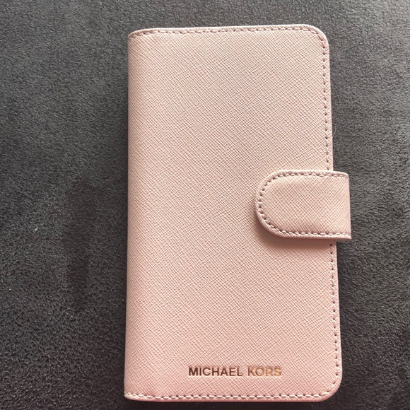 promo code e8d0c bfbab Michael Kors iPhone X or iPhone Xs case NWT